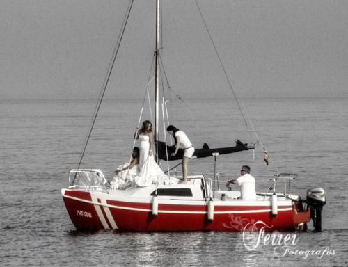 Por la costa de Adra nos divertimos fotografiando a dos jovenes novias (5/5)