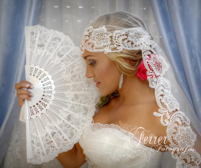 Así de radiante se mostraba Lucía, Joven Abderitana este primero de septiembre que fue el día de su boda. (1/3)