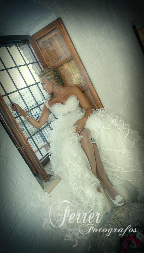 Así de radiante se mostraba Lucía, Joven Abderitana este primero de septiembre que fue el día de su boda. (3/3)