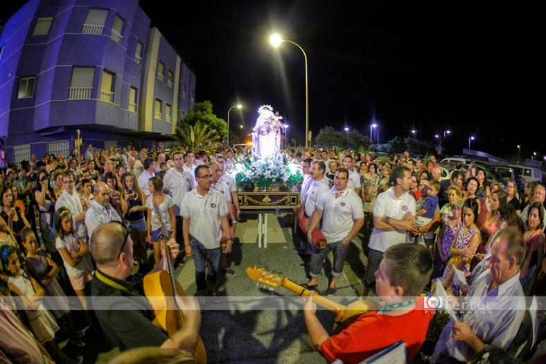 Emotivos cantos a la Virgen del Carmen Balerma año 2012